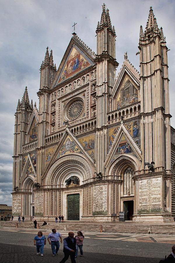 Duomo Photograph - Duomo Orvieto Italy by Hugh Smith