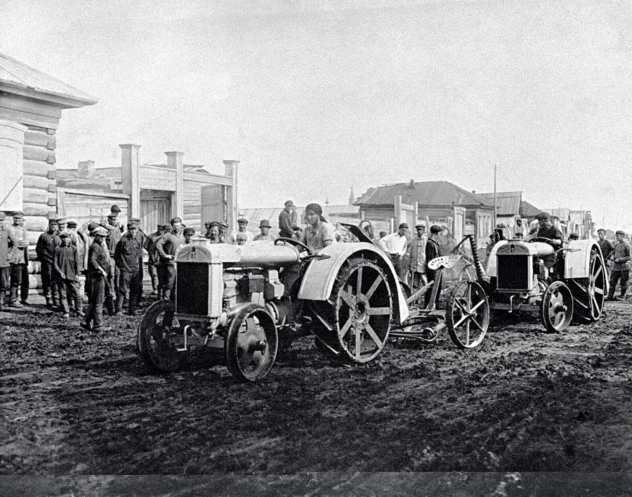 People Photograph - Early Tractors, Russia by Science Photo Library