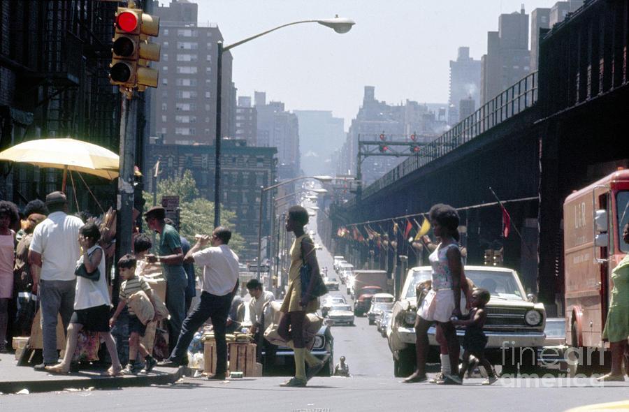 Erik Photograph - East Harlem by Erik Falkensteen