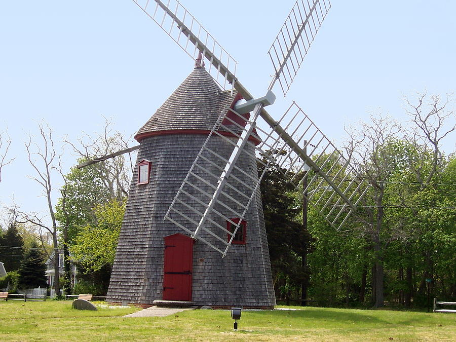 Cape Cod Photograph - Eastham Windmill by Catherine Gagne