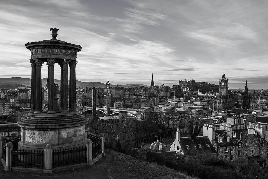 Cityscape photograph edinburgh sunrise black and white by samuel garza