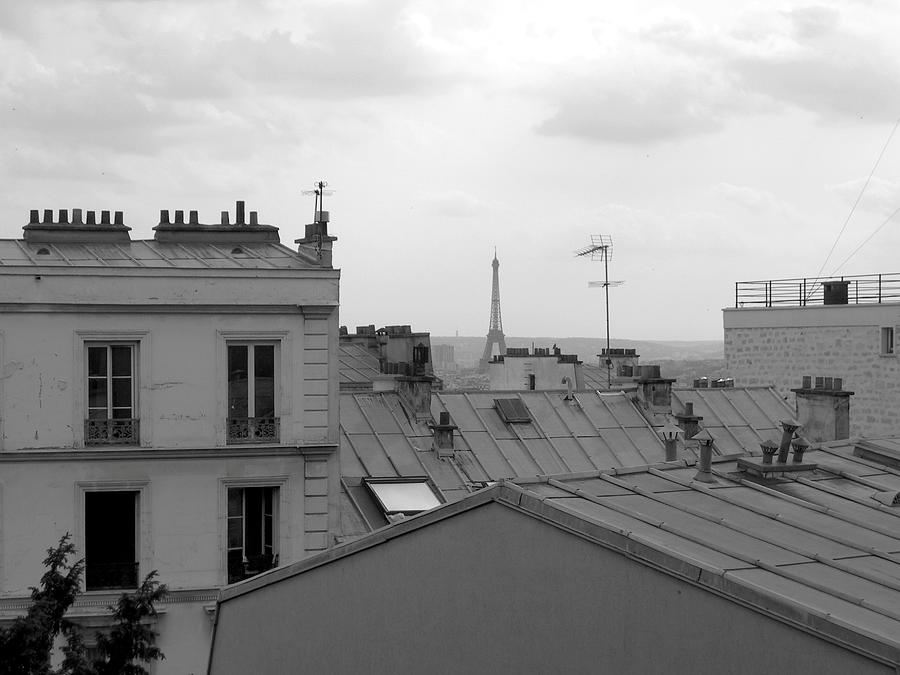 Eiffel Tower Over The Rooftops Photograph by Scott Carda