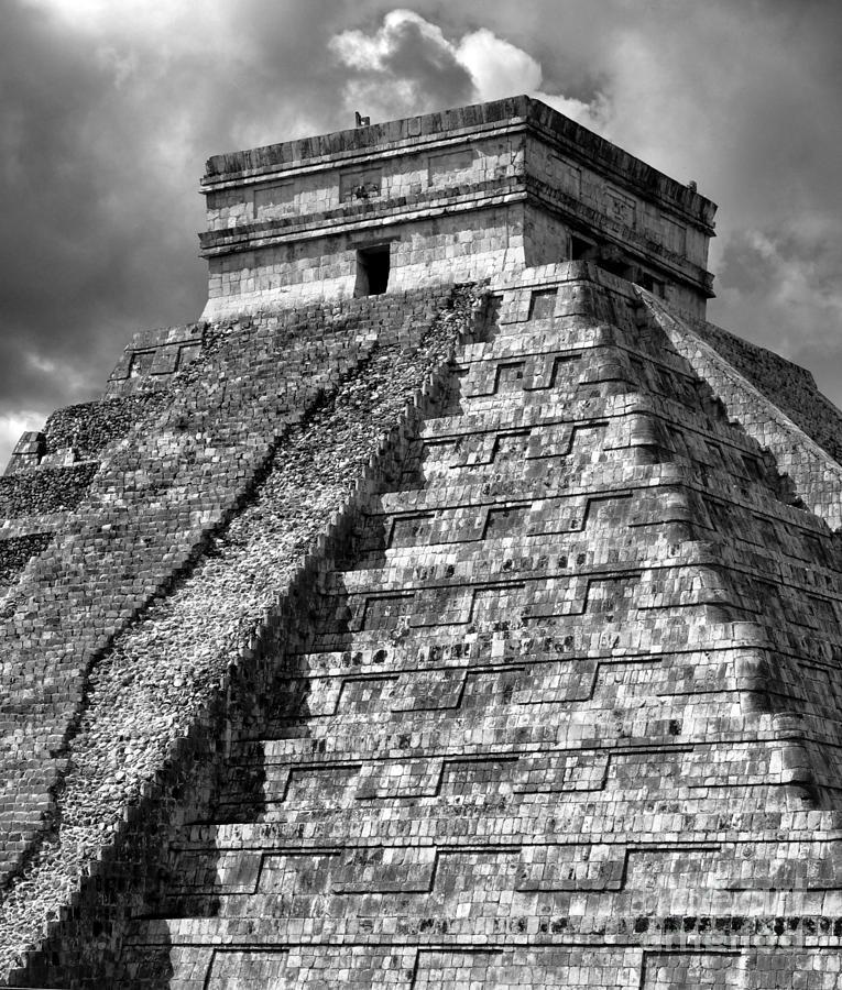 Chichen Itza Photograph - El Castillo by Kristine Celorio