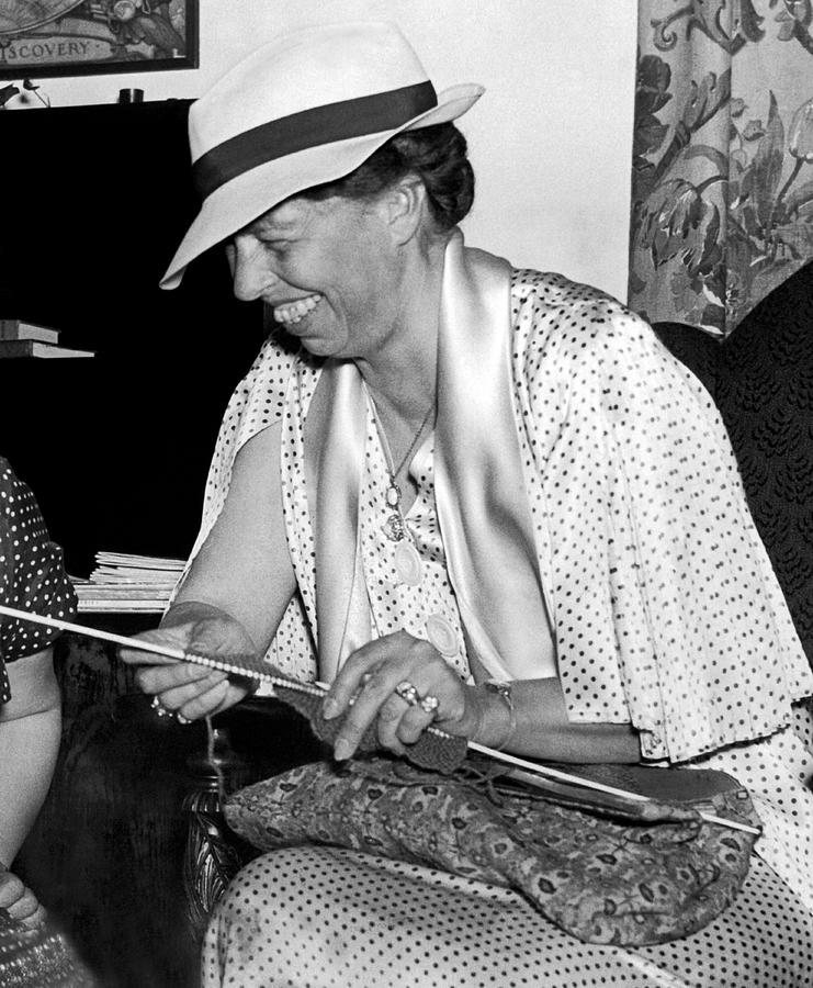 1936 Photograph - Eleanor Roosevelt Knitting by Underwood Archives
