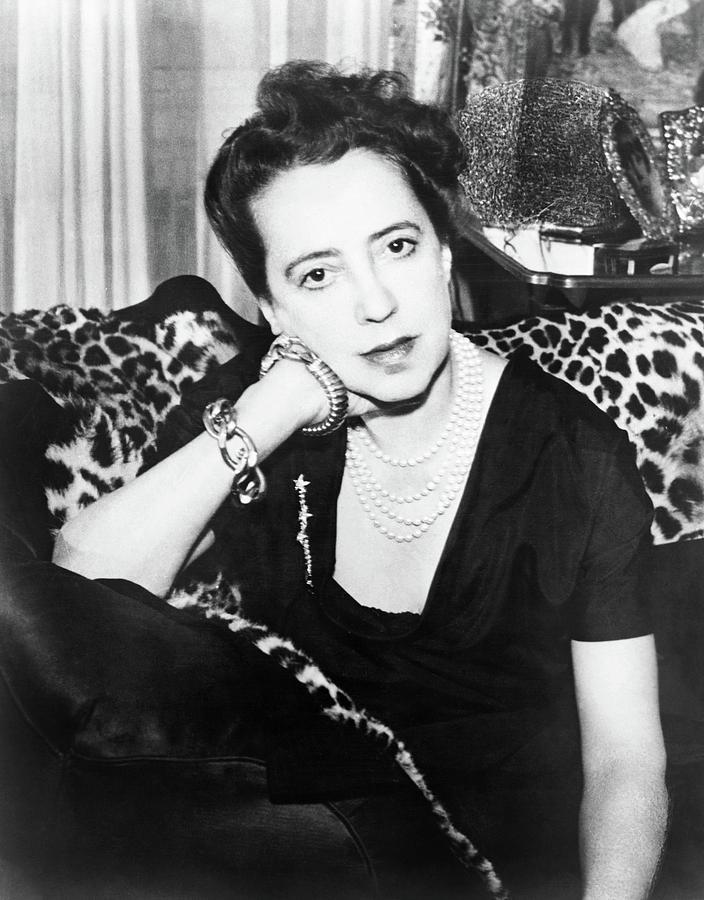 1952 Photograph - Elsa Schiaparelli (1890-1973) by Granger