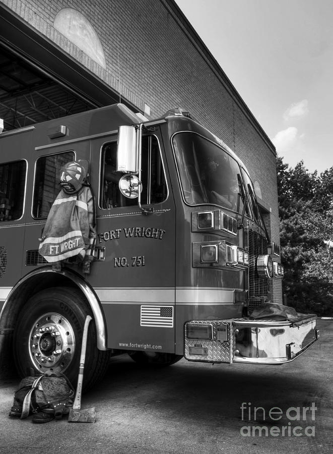 Fire Trucks Photograph - Engine 751 Bw by Mel Steinhauer