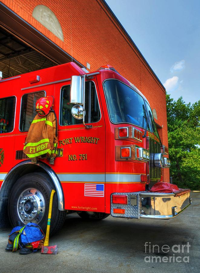 Fire Trucks Photograph - Engine 751 by Mel Steinhauer