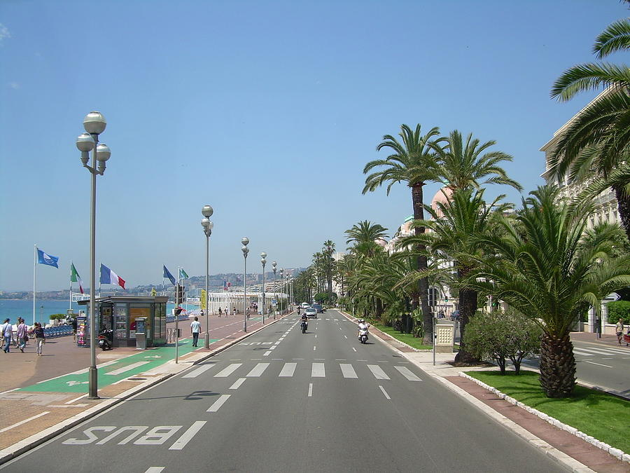 Tommy Budd Photograph - English Promenade At Nice by Tommy Budd