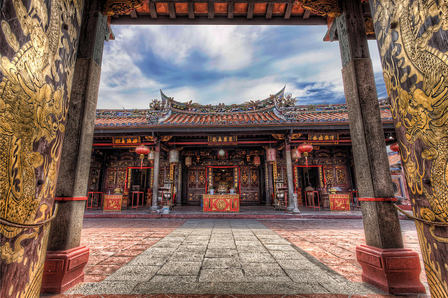 Chinese Temple Photograph - Enter The Dragon by Mario Legaspi