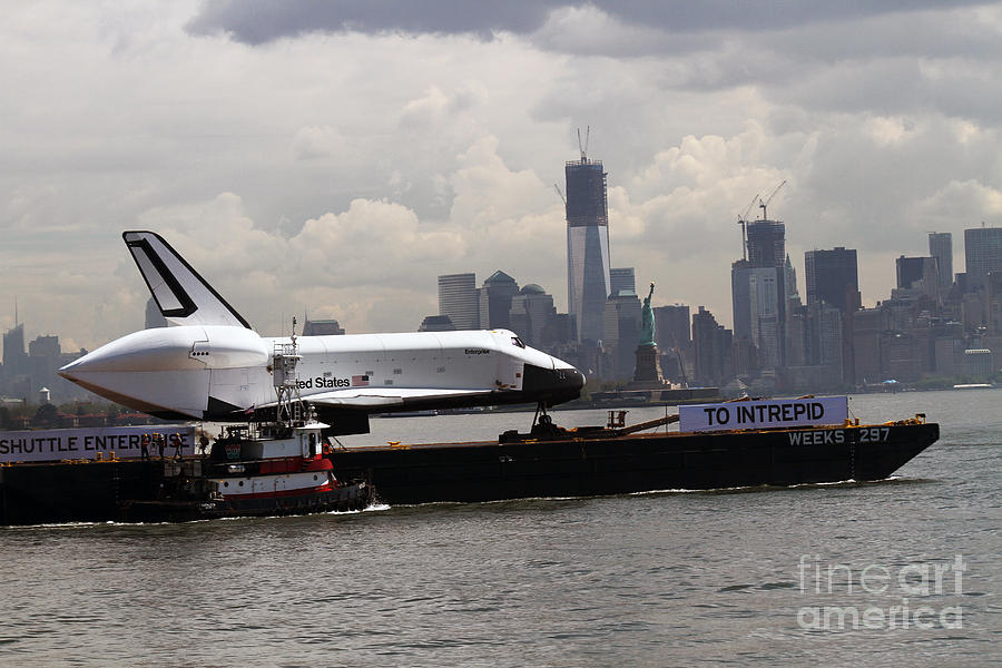 Space Shuttle Photograph - Enterprise To The Intrepid Air And Space Museum by Steven Spak