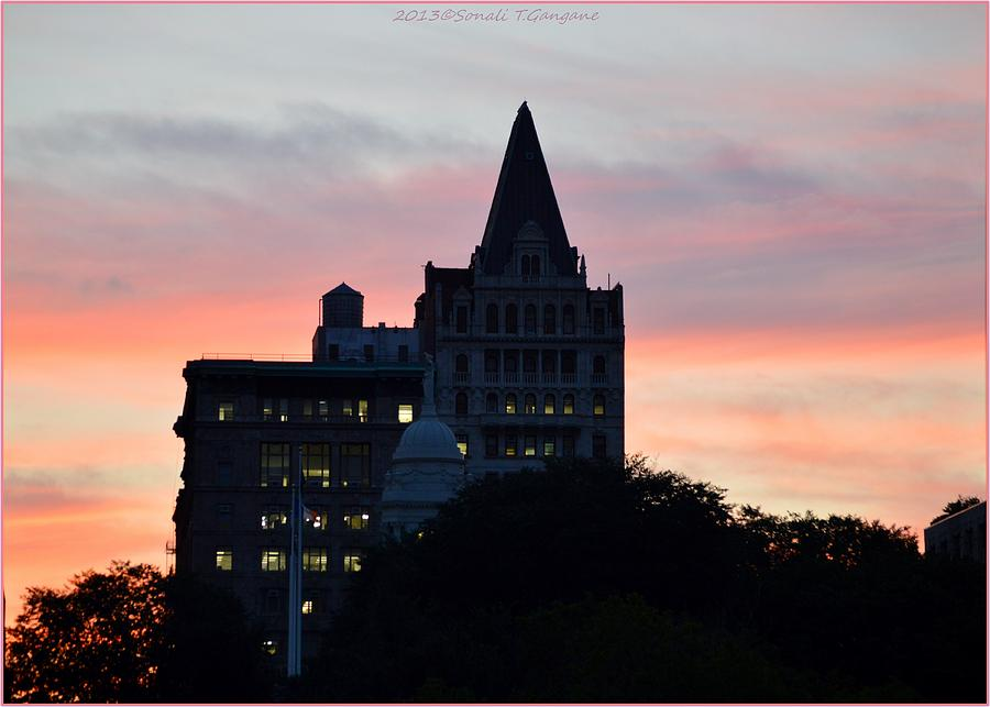 Evening Photograph - Evening In New York by Sonali Gangane