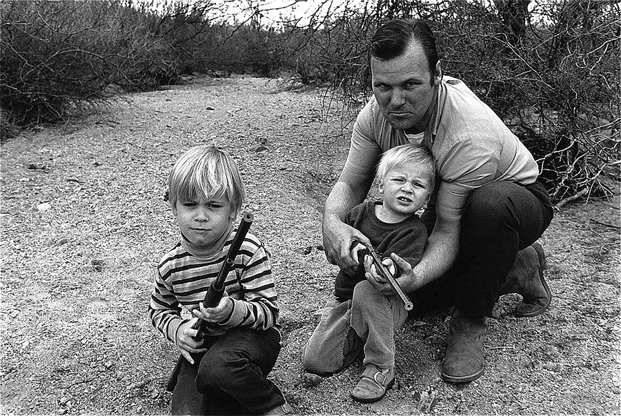 Ex Green Beret Barry Sadler In Target Practice With Son S