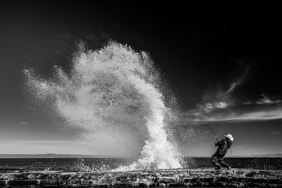 Splash Photograph - Extreme  Fishing by Vahid Varasteh