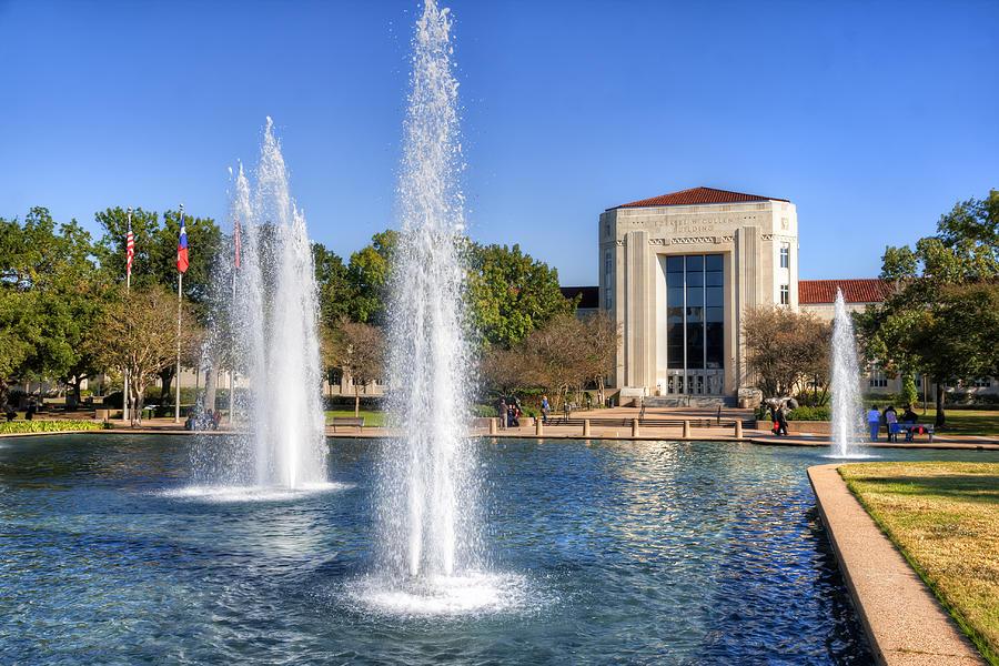 Houston Photograph - Ezekiel W. Cullen Building by Tim Stanley
