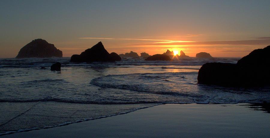 Face Rock Photograph - Face Rock Sun Burst by Suzy Piatt