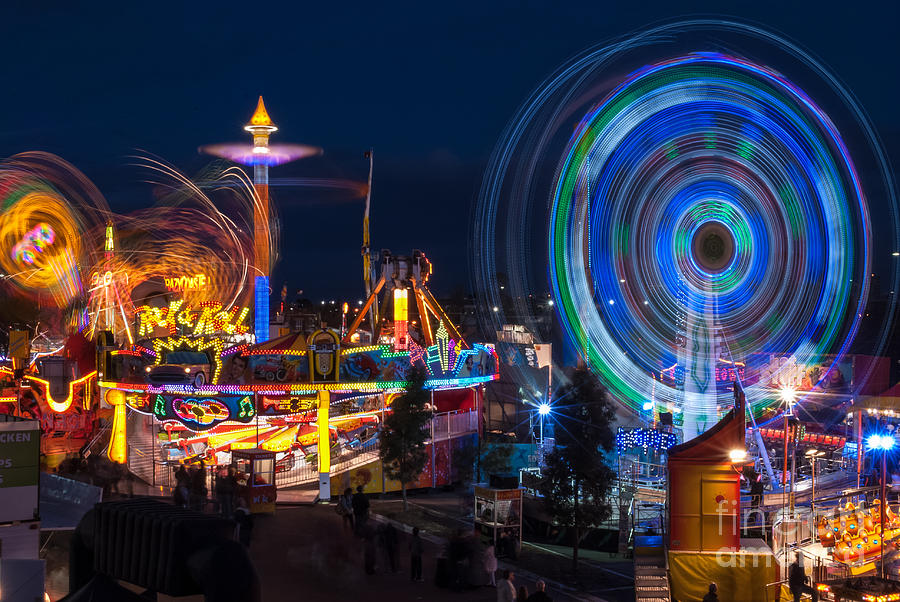 Fairground Attraction Photograph By Ray Warren