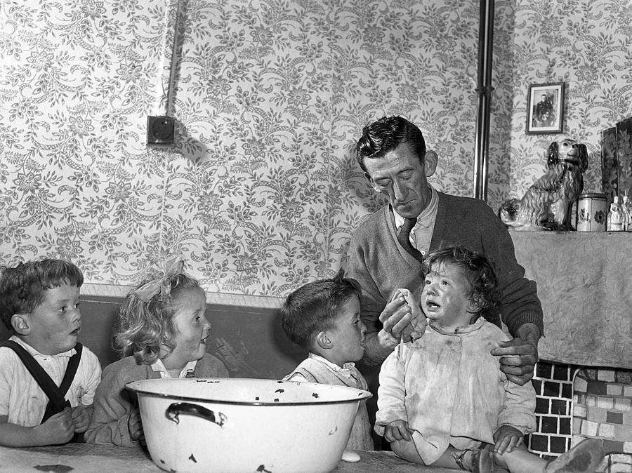 Bath Photograph - Family Bath Night in Dublin by Irish Photo Archive