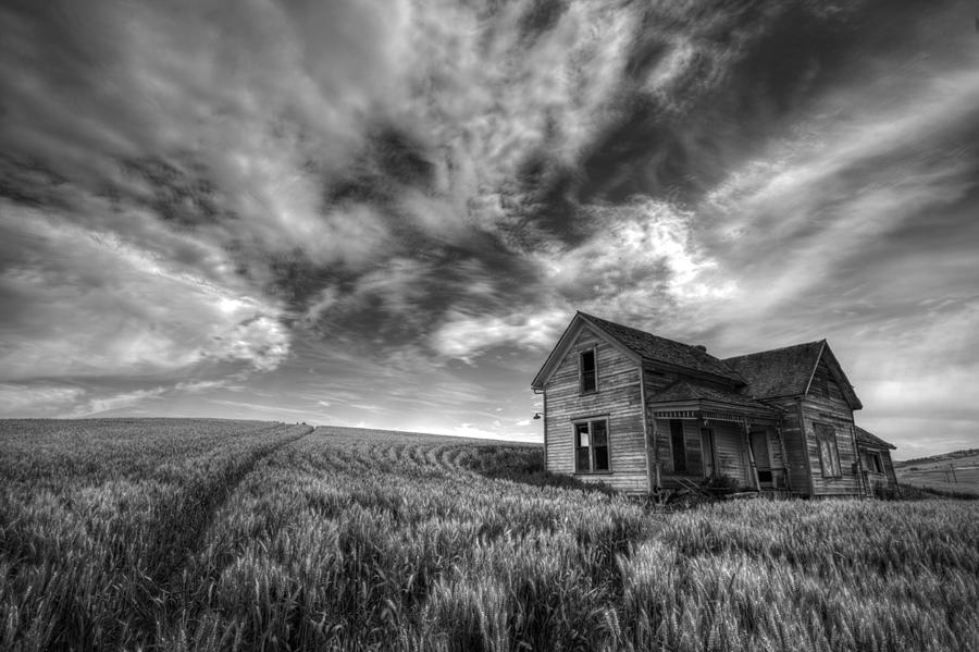 Usa Photograph - Farmhouse B And W by Latah Trail Foundation