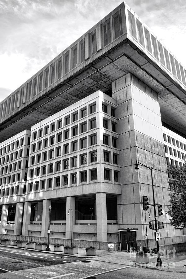 Fbi Photograph - Fbi Building Rear View by Olivier Le Queinec