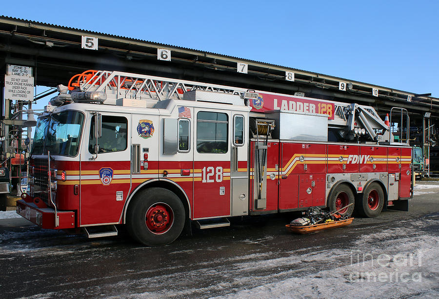 Fdny P Ograph Fdny Ladder  Alarm Fire By Steven Spak