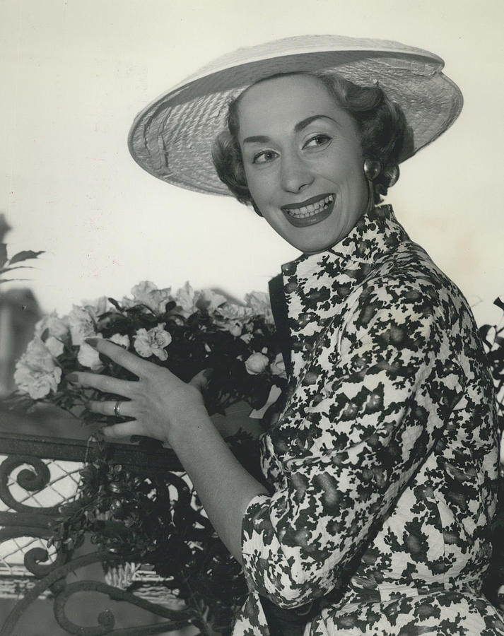 Retro Photograph - Ferguson Fabrics Used By Leading Designers For Spring by Retro Images Archive