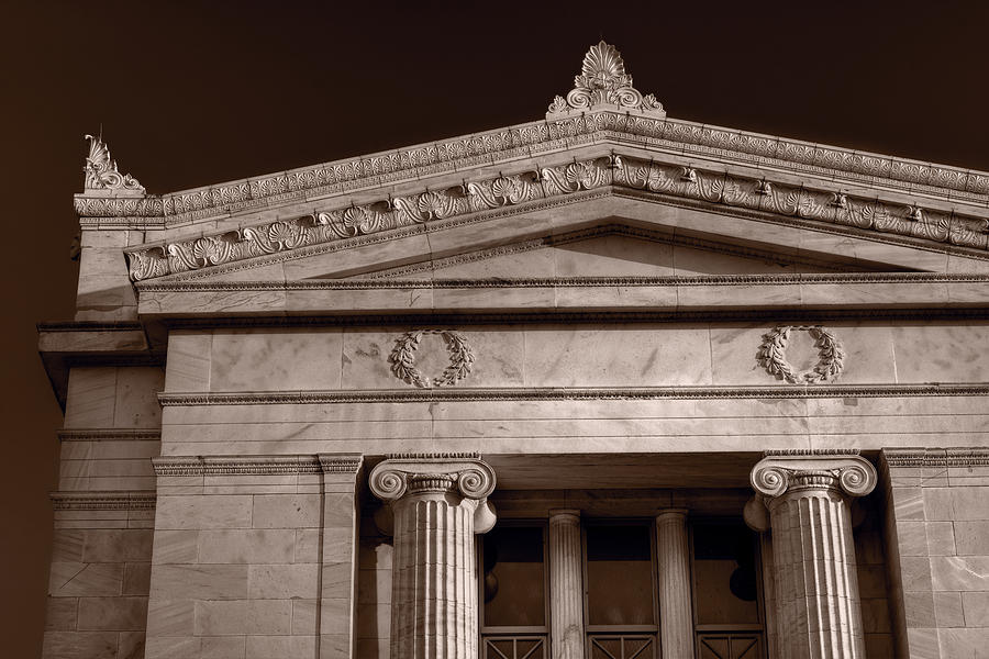 Field Photograph - Field Museum Of Chicago Bw by Steve Gadomski