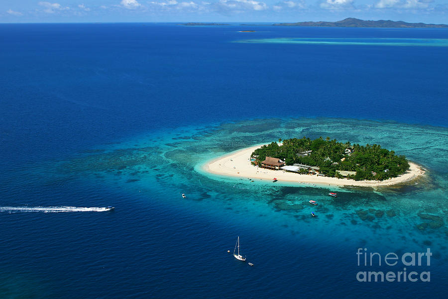 Fiji Photograph - Fiji - South Pacific Paradise by Lars Ruecker