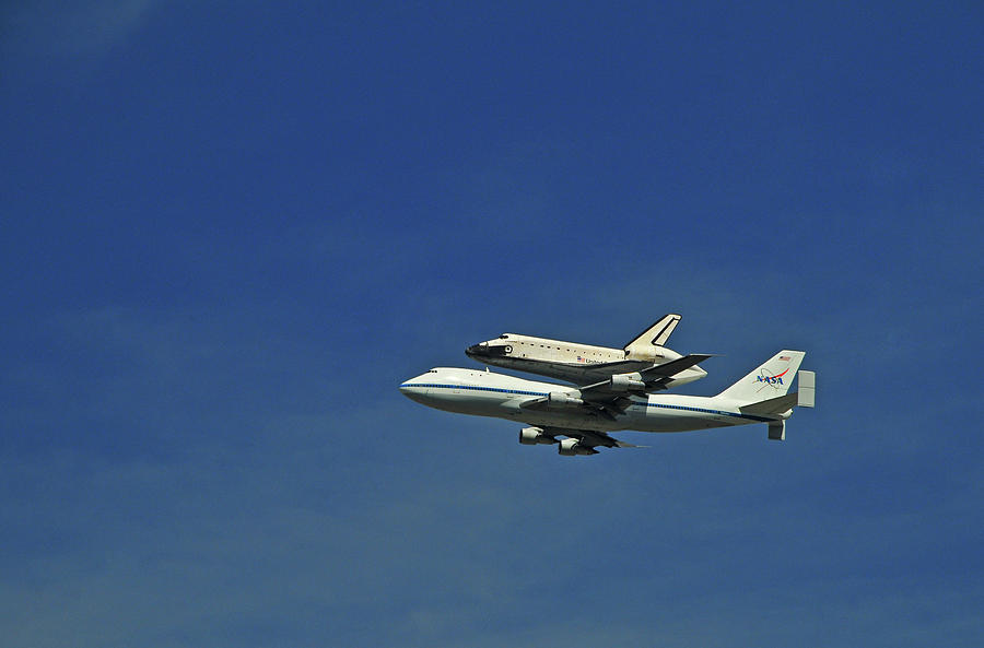 Final Flight Of The Space Shuttle Photograph by Mitch Diamond