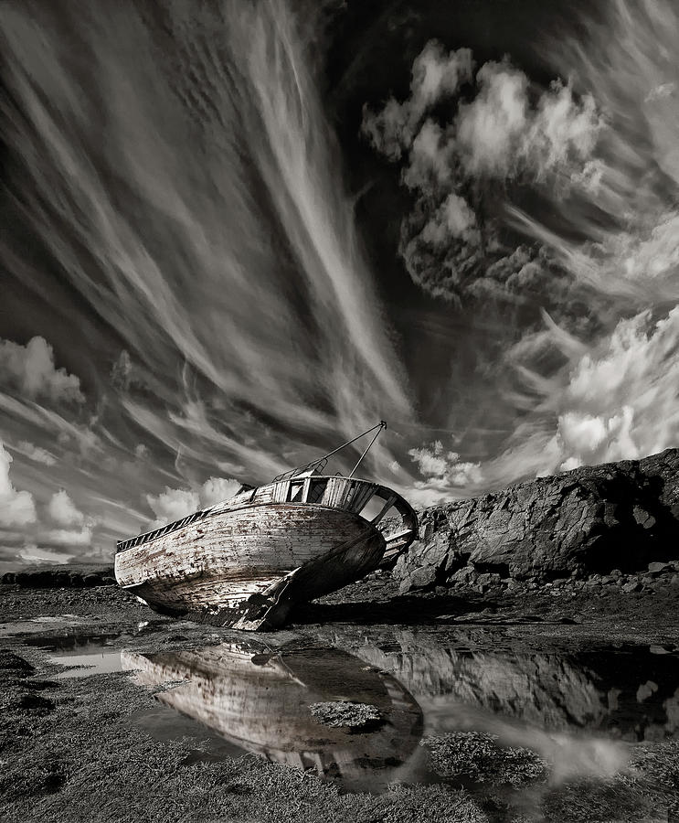 Wreck Photograph - Final Place (mono) by ?orsteinn H. Ingibergsson