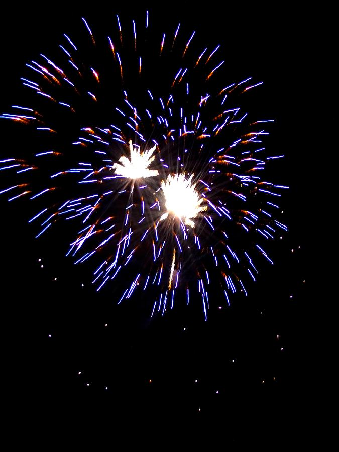 Fireworks Photograph - Fireworks 7 by Mark Malitz