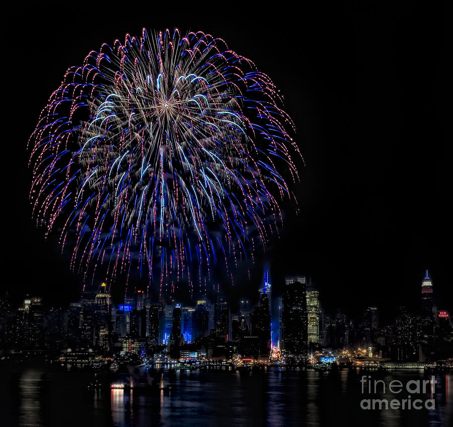 4th Of July Photograph - Fireworks In New York City by Susan Candelario
