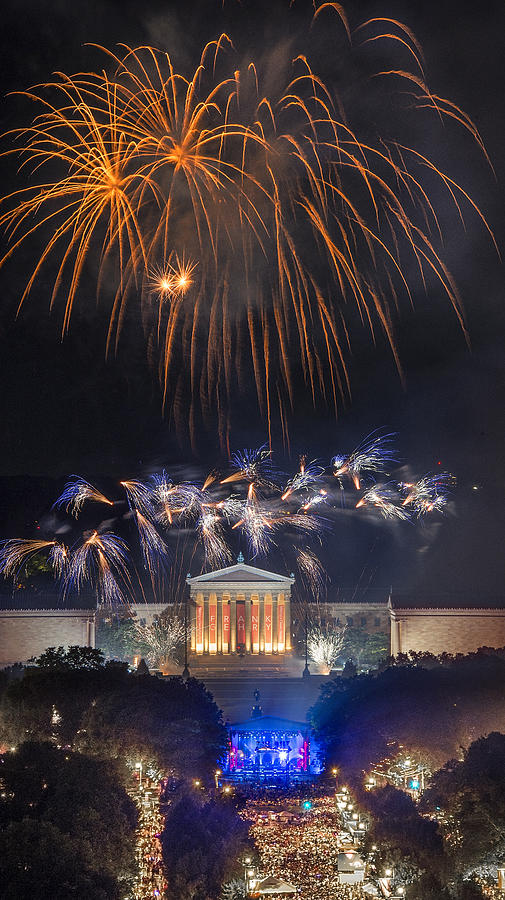 Philadelphia Photograph - Fireworks Over The Parkway by Bruce Neumann