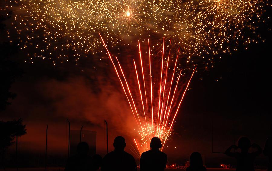 4th Photograph - Fireworks by Vonnie Murfin