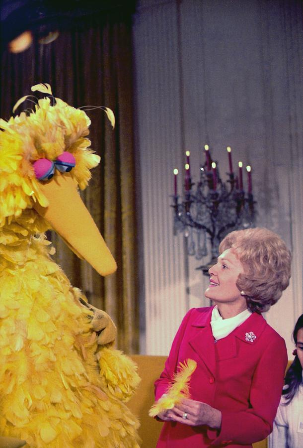 History Photograph - First Lady Pat Nixon Meeting With Big by Everett
