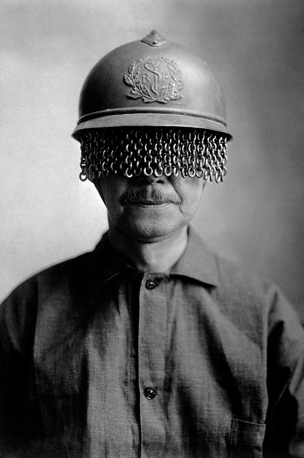 Device Photograph - First World War Helmet Eye Screen by Us Army/science Photo Library