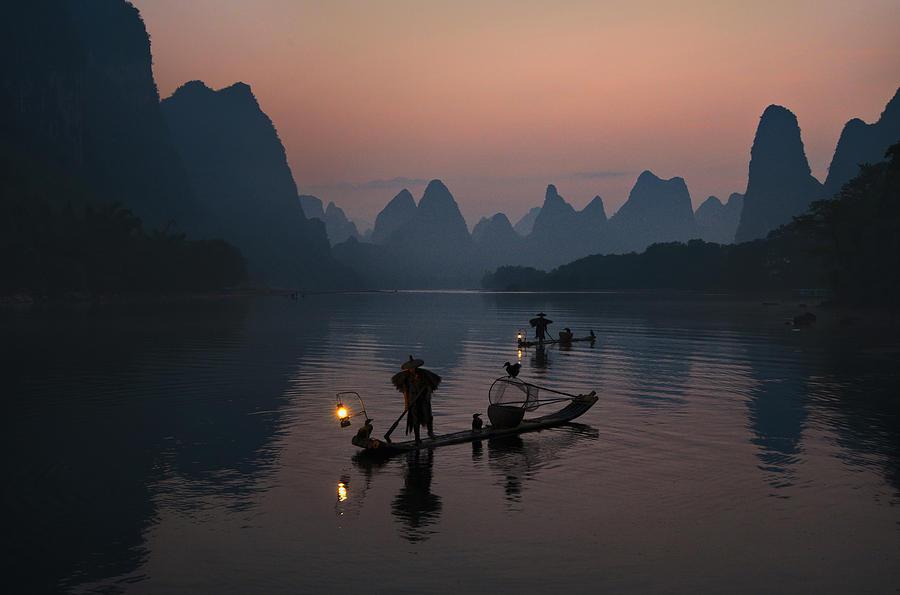 Fisherman Photograph - Fisherman Of The Li River by Mieke Suharini