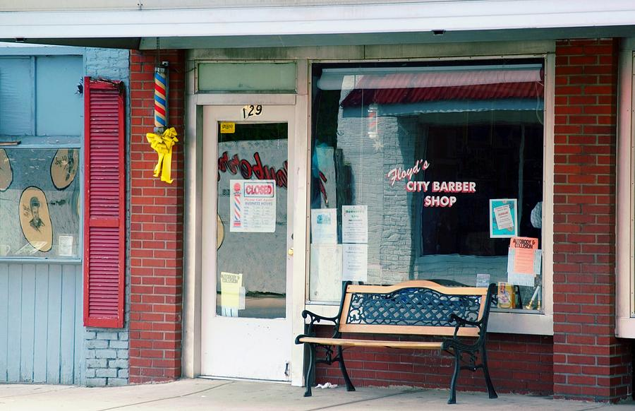 Floyd's Barber Shop Mt. Airy Photograph - Floyds Barber Shop Nc by Bob Pardue