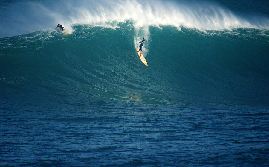 Waimea Bay Photograph - Flying Machine by Kevin Smith