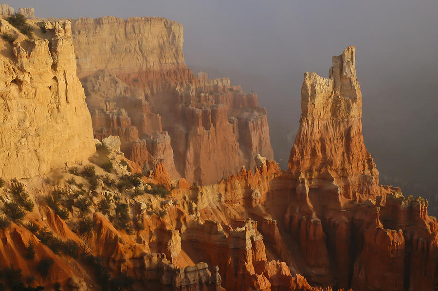 Lee Photograph - Fog At Bryce Canyon by Lee Kirchhevel