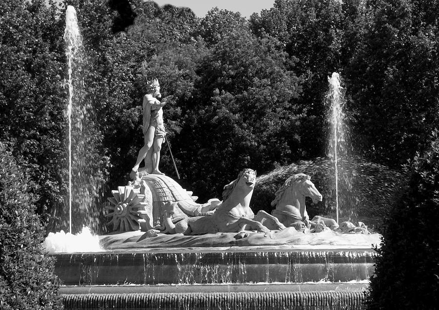 Madrid Photograph - Fontana De Neptune - Madrid by Jacqueline M Lewis