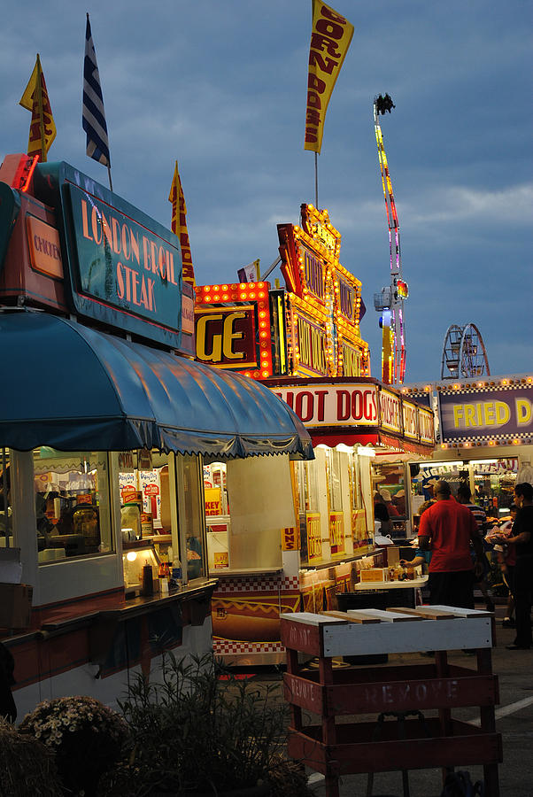 Scenic Tours Photograph - Food Court by Skip Willits