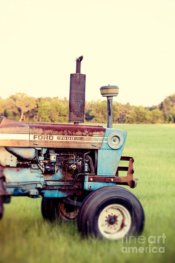 Ford 7600 Tractor Photograph