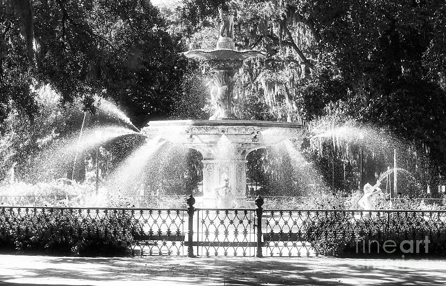 Forsyth Park Fountain Photograph - Forsyth Park Fountain by John Rizzuto