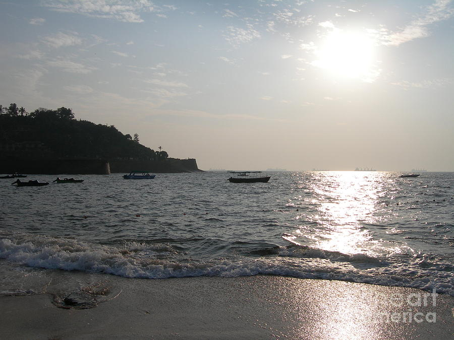 Goa Photograph - Fort Aguada Beach by Mini Arora
