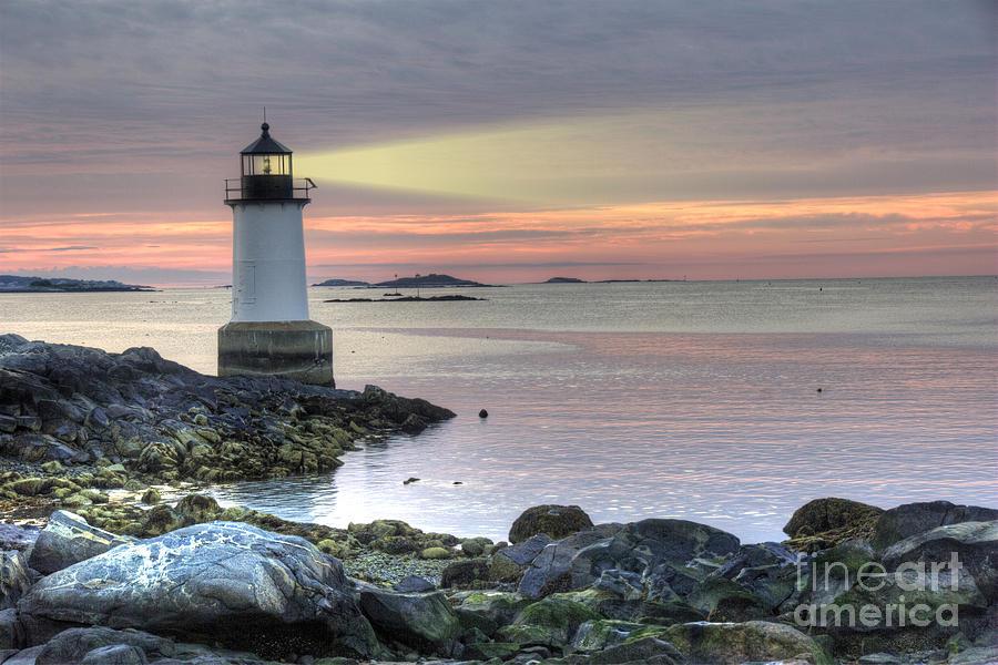 America Photograph - Fort Pickering Lighthouse At Sunrise by Juli Scalzi