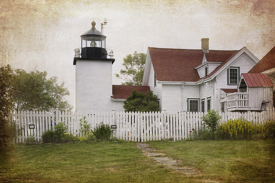 Lighthouse Photograph - Fort Point Lighthouse by Joan Carroll