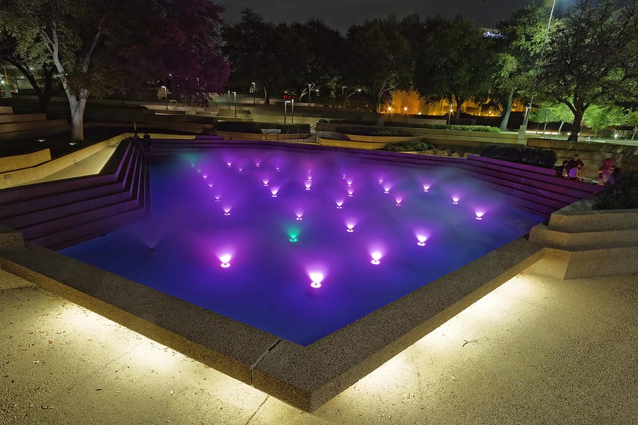 Fort Worth Water Garden Aerated Pool Photograph