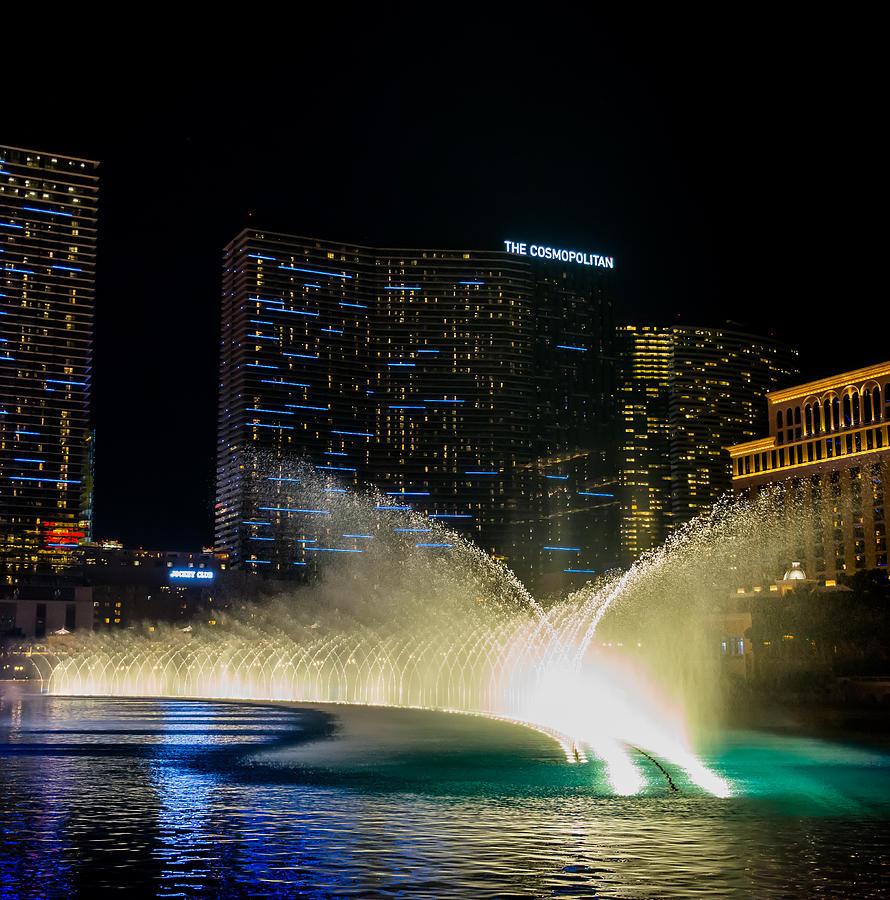Bellagio Pyrography - Fountain Spray by Zachary Cox