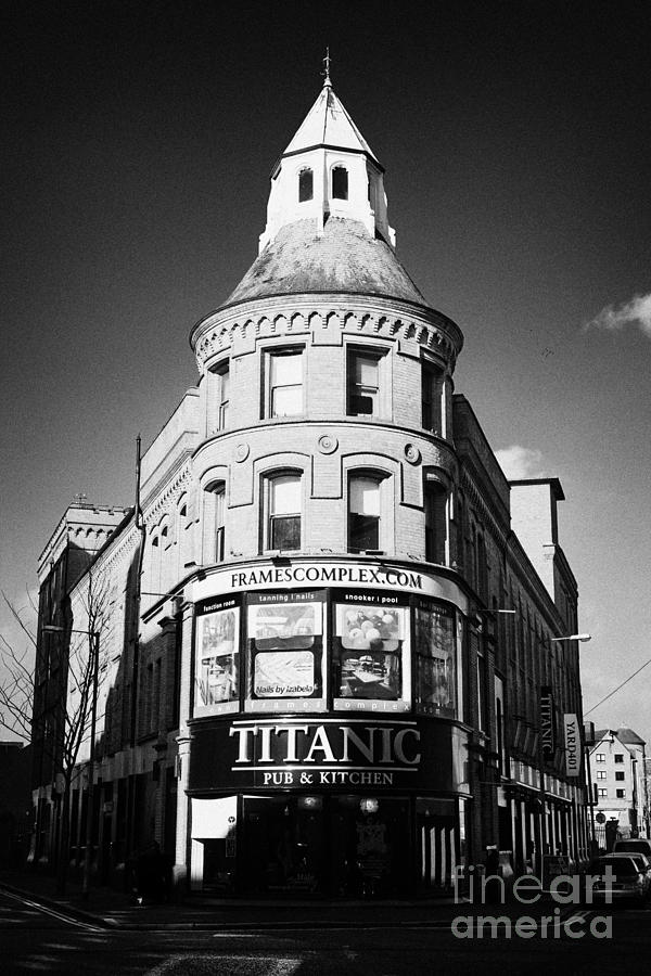 frames complex and titanic pub in the library house triangular ...