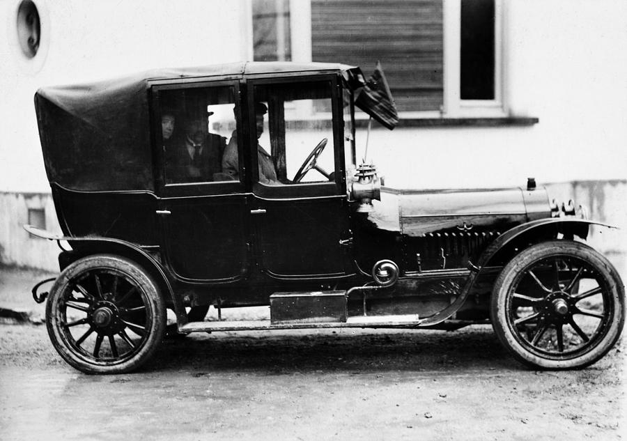 1910 Photograph - France Motorcar, C1910 by Granger